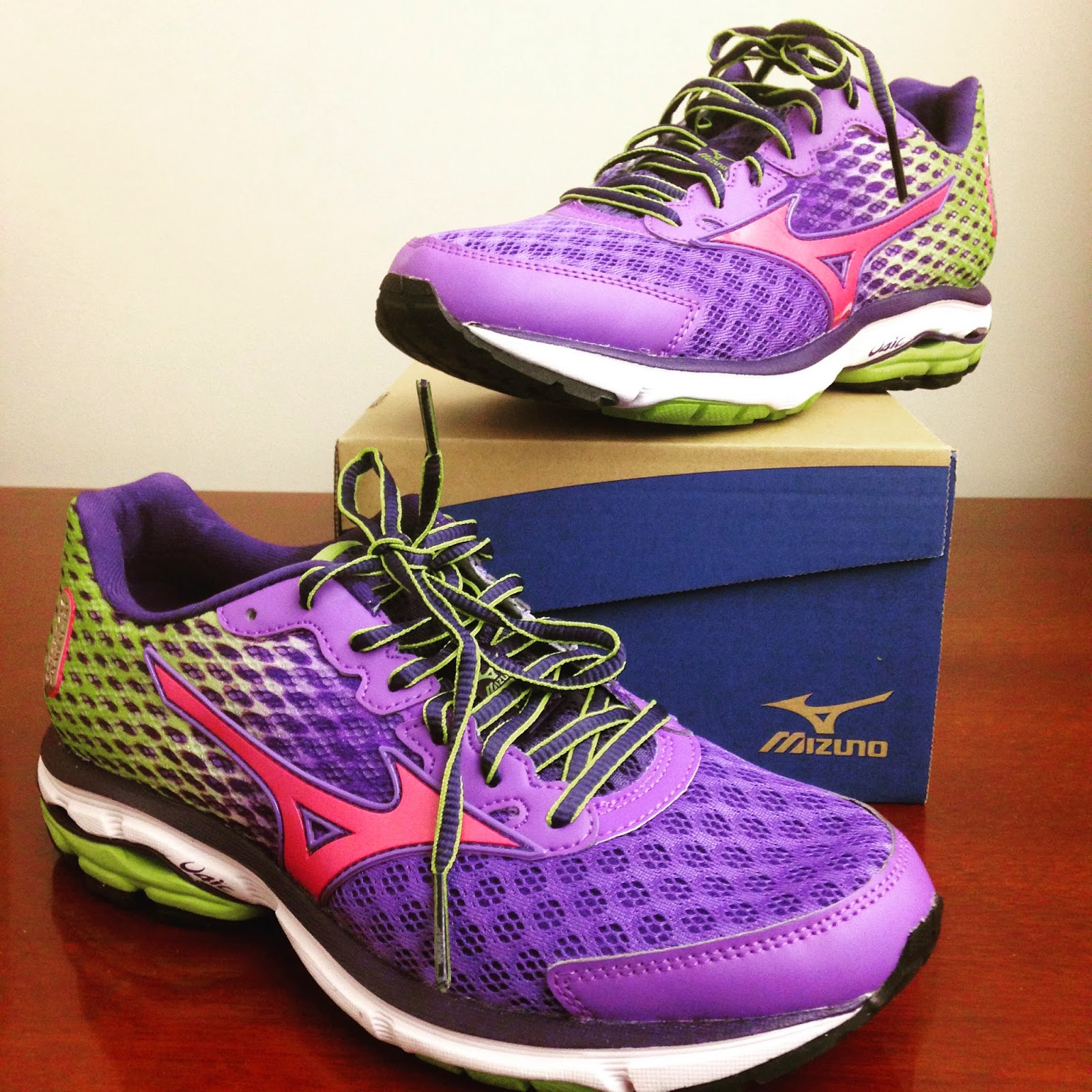 mizuno wave rider 18 mens review